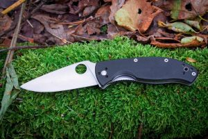 Why Folding Knives Are Ideal for Self Defense
